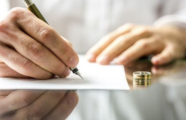 Going Through a Divorce? Do Not Overlook These Insurance Issues