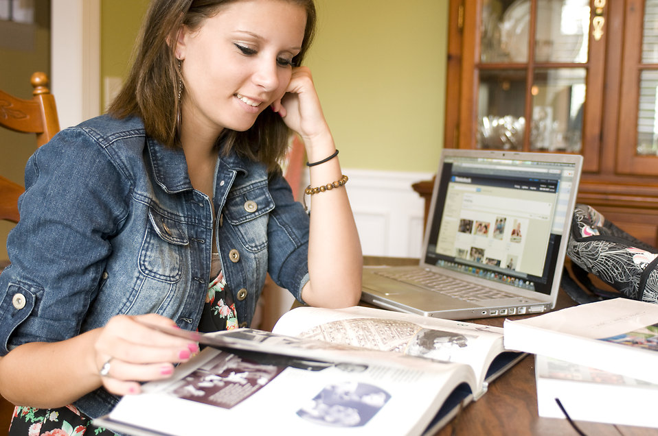 Deducting Your Student Loans  During Tax Time